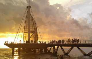 Puerto Vallarta offers deals, beaches, gay nightlife