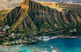 Besties: Weddings & Destinations: Hawaii looks to day tourists can return