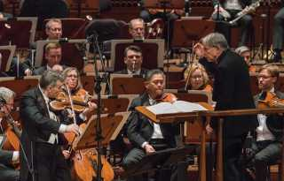 SF Symphony records Berg's assured atonal works